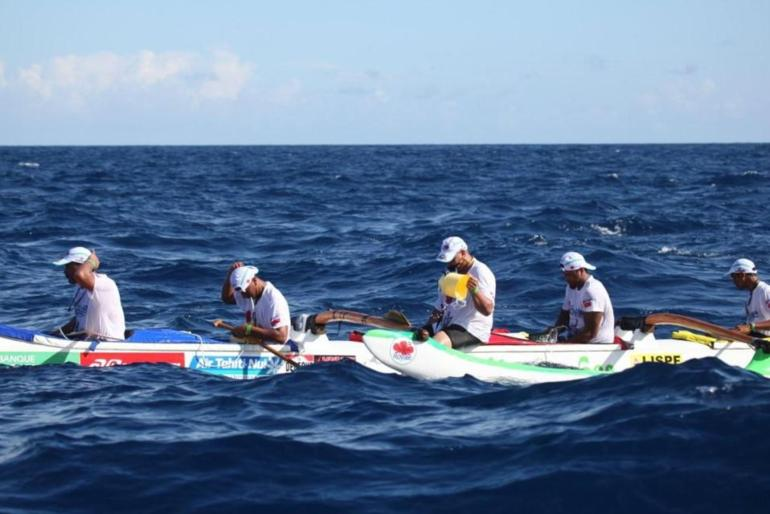 Hawaiki Nui Va'a, Paddling Connection remporte la 1ère étape