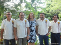 Georges Teikiehuupoko, conseiller municipal de Ua Pou, Joseph Kaiha président de la Codim et maire de Ua Pou, Debora Kimitete, 1ere adjointe de Nuku Hiva, Benoît Kautai maire de Nuku Hiva et Henri Tuieinui maire de Tahuata.