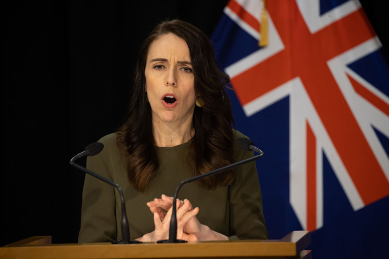 """Nouvelle-Zélande: Ardern qualifie de """"fausse"""" la déclaration de Trump sur le virus"""