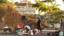 Polémique après la destruction de cases kanak avec des bulldozers à Nouméa