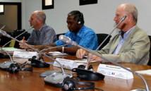 Richard Mann, Directeur Général adjoint de la CPS, Jimmie Rodgers, Directeur Général, l'Ambassadeur de France Hadelin de la Tour du Pin, secrétaire permanent pour la Pacifique. (Source photo : CPS)