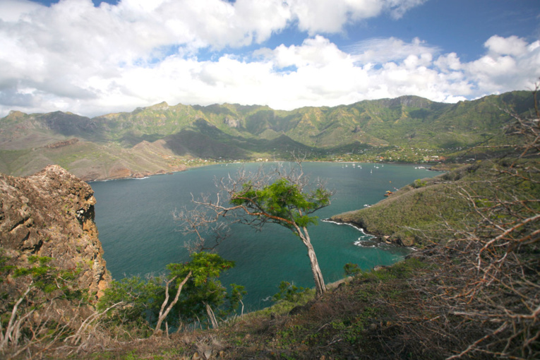 C'est dans cette baie de Taiohae, la baie alors nommée Anna-Maria, que l'expédition russe fit escale et qu'eut lieu la mutinerie dénoncée par Rezanov (photo: DP).
