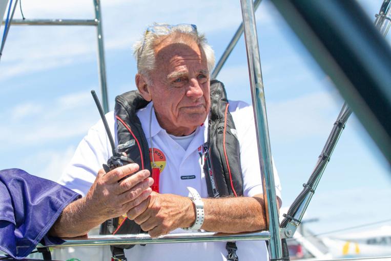 Jon Sanders à Tahiti, 81 ans et 11 tours du monde