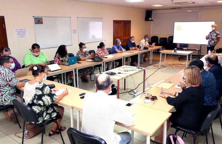 Sept nouveaux établissements bilingues français-reo en Polynésie