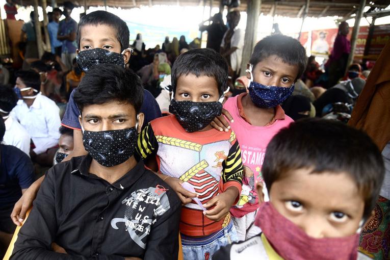 Près de 300 réfugiés rohingyas débarquent en Indonésie après plusieurs mois en mer