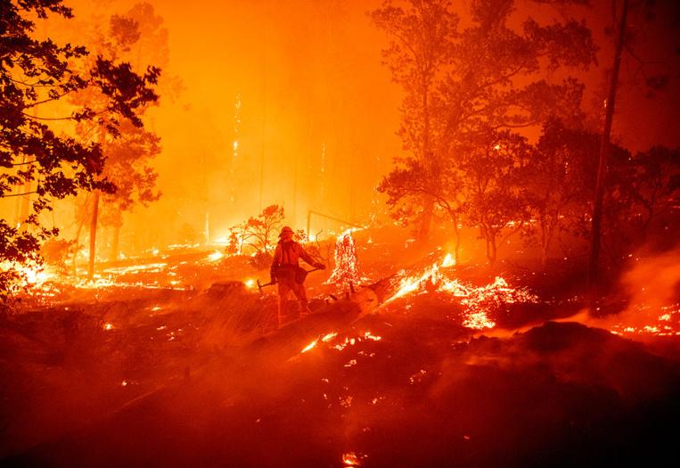 Californie: un feu de forêt provoqué par une fête de révélation du sexe d'un bébé