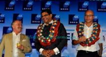 Gilles Montagnier, ambassadeur de France à Fidji, l'Attorney-General fidjien Aiyaz Sayed-Khaiyum et Darryl Constantin, Vice-président de la nouvelle BRED Bank (Fiji) Ltd (Source photo : ministère fidjien de l'information)