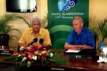 Le Secrétaire Général du FIP, Tuiloma Neroni Slade et le Directeur général de l'OMC, Pascal Lamy, ont signé mercredi un accord de coopération