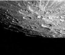 La glace est abondante sur Mercure pourtant planète la plus proche du soleil