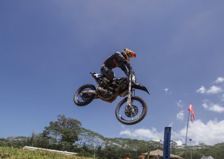 Manukau Autai, leader du championnat sur sa Yamaha, a réalisé un week-end presque parfait avec cinq victoires en six courses.