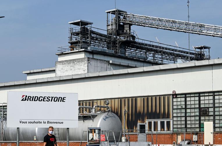 """Bridgestone va fermer à Béthune, une """"trahison"""" pour le gouvernement"""