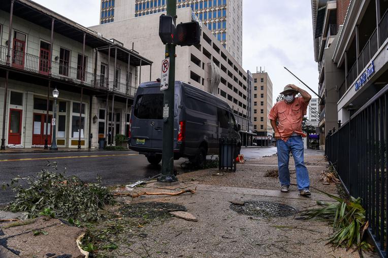 """L'ouragan Sally et ses inondations """"catastrophiques"""" balaient le Sud-Est des Etats-Unis"""