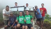 Les chasseurs sous-marins nettoient la montagne