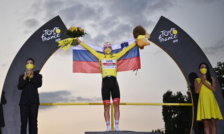 Le jeune slovène Tadej Pogacar bouscule l'histoire du Tour de France