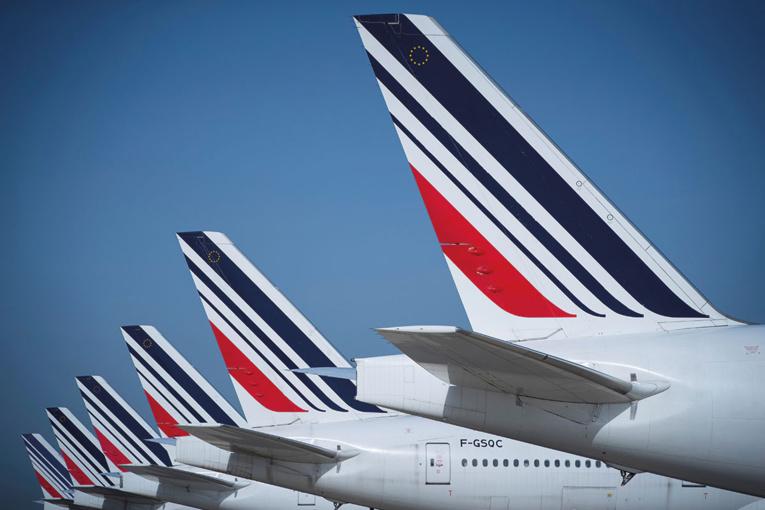 """Air France-KLM: les aides permettront de """"tenir moins de 12 mois"""", selon son directeur général"""