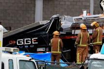 la plaque de béton tombée d'un chantier qui a tué deux personnes dans leur véhicule jeudi.