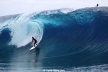 Teahupo'o: Manoa Drollet surfe la Free session