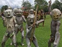 Photo d'illustration: des guerriers de tribus papoues lors du festival de Goroka Singsing