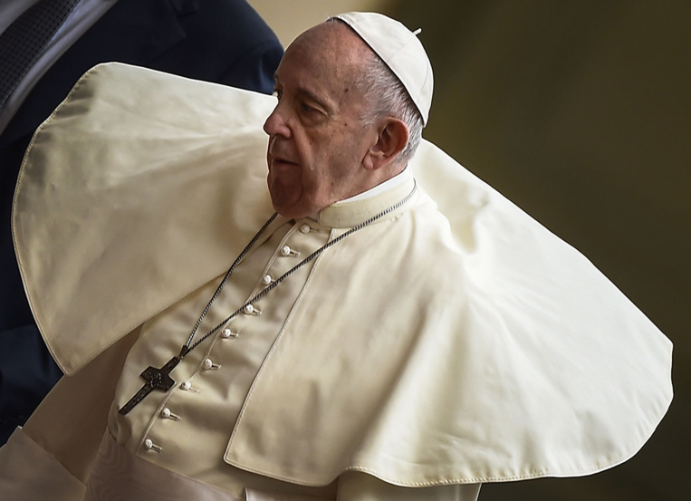 Le pape François reprend les clefs des coffres du Vatican