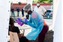 Guadeloupe: 1.000 cas de Covid-19 par semaine et 15 nouveaux décès