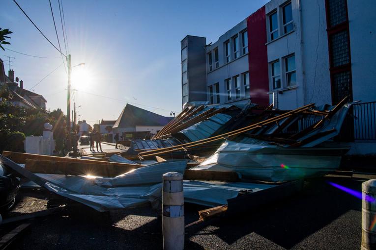 Violentes rafales et coupures d'électricité dans l'ouest pour la première tempête automnale