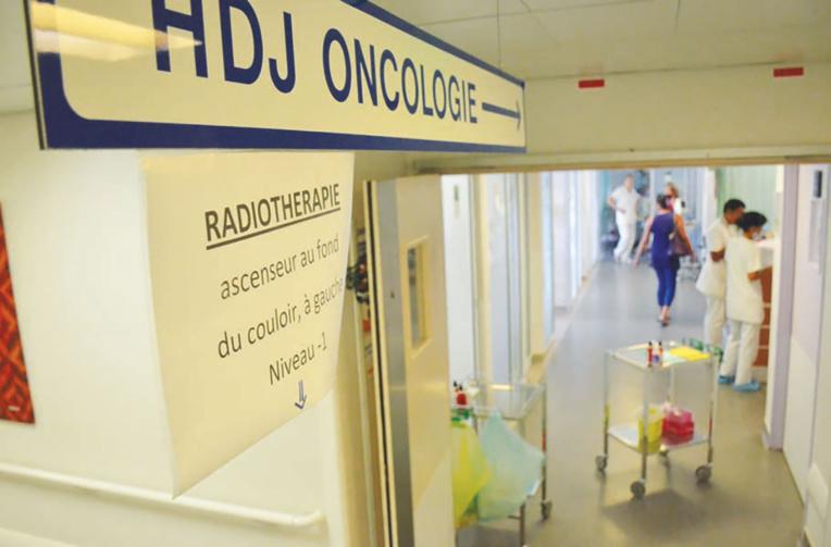 À l'hôpital, le délicat cloisonnement du Covid