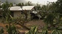 Le ministre Victorin Lurel à Wallis, sinistrée par le cyclone Evan