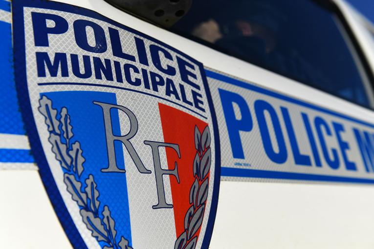 Val-d'Oise: deux policiers attaqués et blessés par balles, leurs armes volées