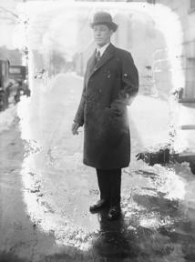 C'est grâce au richissime homme d'affaires de la Nouvelle-Angleterre Harry Payne Whitney que le couple Ida et Rollo Beck put entreprendre l'expédition qui les mena, neuf années durant, dans tout le Pacifique Sud, avec Tahiti pour point de départ.