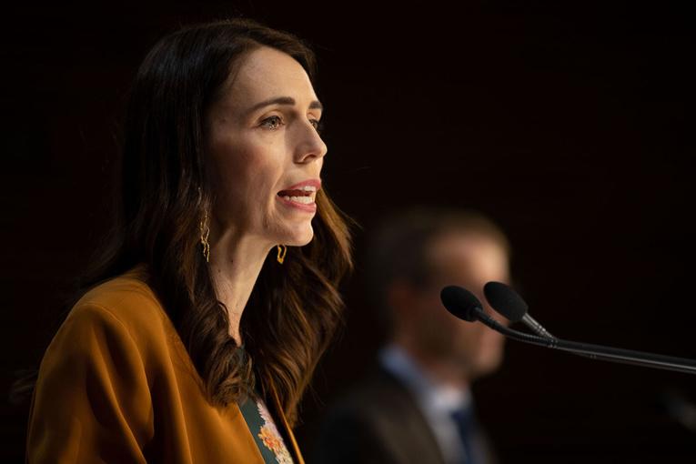 Nouvelle-Zélande: triomphe électoral en vue pour Ardern grâce au reflux de l'épidémie