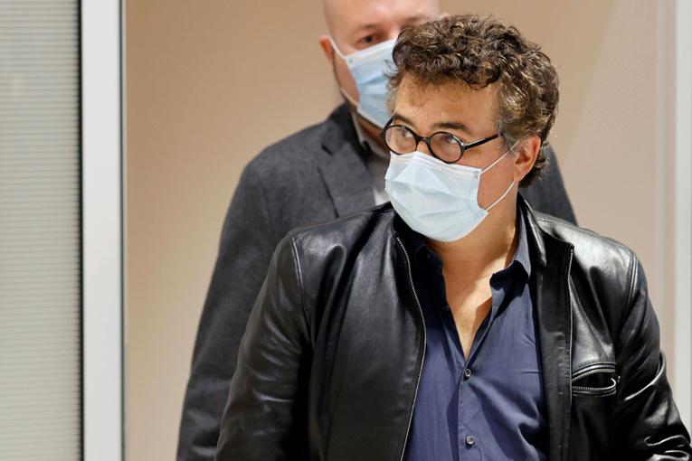 """Covid-19 : """"on paralyse le pays"""" parce qu'il """"manque de la place dans les hôpitaux"""", déplore Pelloux"""