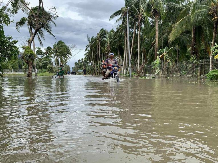 Aux Philippines, le typhon Molave fait trois morts et douze disparus