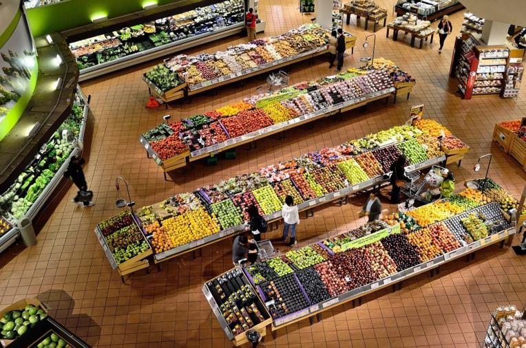 """Les supermarchés rassurants sur leur approvisionnement """"si tout le monde reste raisonnable"""""""