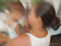 Adoption en Polynésie: Le « tamari'i fa'a'amu », entre rites et modernisation