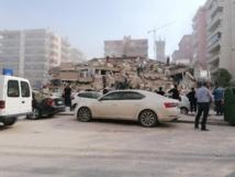 Puissant séisme dans l'ouest de la Turquie, des immeubles effondrés