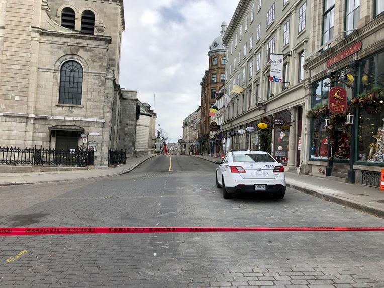 """""""Nuit d'horreur"""" à Québec: un homme tue au sabre deux personnes le soir d'Halloween"""