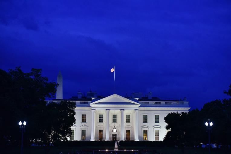 Trump ou Biden? Les Américains aux urnes dans un pays sous tension