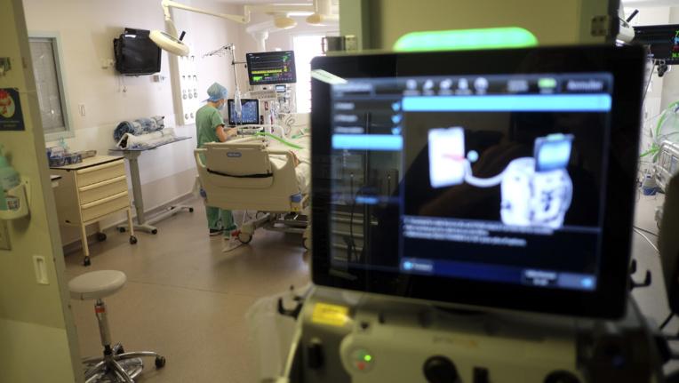 Ce soutien du service de santé des armées porterait la capacité d'accueil pour les malades victimes de complications respiratoires graves liées au Covid-19 à 45 lits au CHPF.