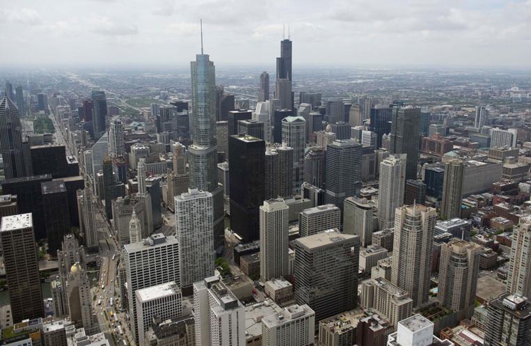 La maire de Chicago, troisième ville la plus peuplée des Etats-Unis, a appelé jeudi ses 2,7 millions d'habitants à rester chez eux sauf pour des déplacements essentiels.