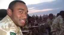 Un Fidjien ex-soldat britannique rend ses médaille à Sa Majesté