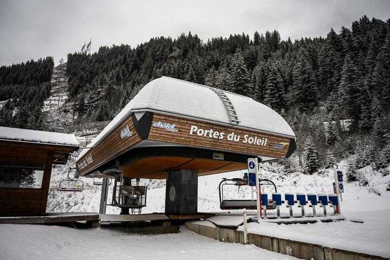 Paris veut sévir pour empêcher les Français d'aller skier à l'étranger