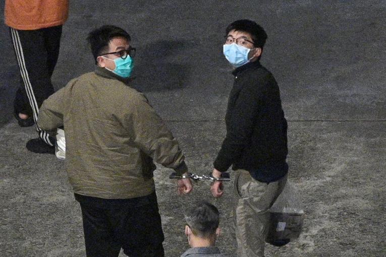 Hong Kong: peines d'emprisonnement pour Joshua Wong et deux célèbres militants prodémocratie