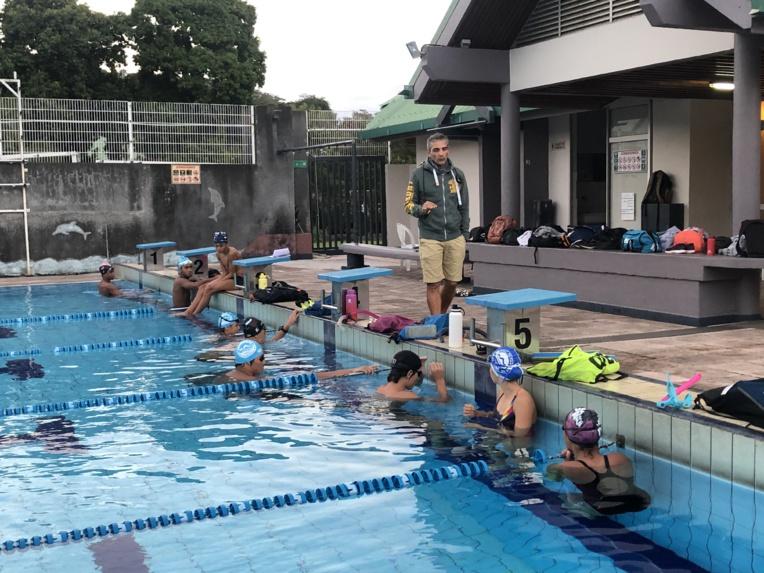 Le centre d'accession et de formation (CAF), ou centre d'entrainement fédéral, rassemble depuis un an et demi les meilleurs espoirs de la natation. Ils bénéficient grâce au CAF d'horaire de cours aménagés, ce qui leur permet ainsi de s'entrainer jusqu'à 20 heures par semaine.