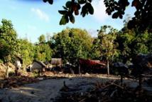 Scènes de dévastation après le passage du tsunami survenu après le séisme de mercredi aux îles Salomon, dans les îles Santa Cruz (Source photos : World Vision)