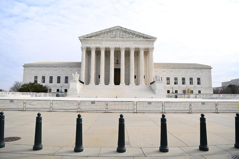 Présidentielle: la Cour suprême inflige un cinglant revers à Trump