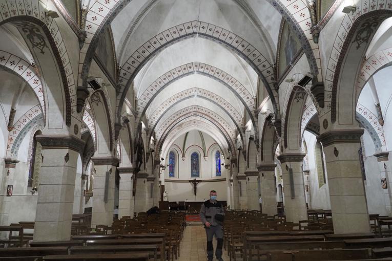 Confinements: les paroisses catholiques ont perdu près de 40% de leurs ressources en 2020