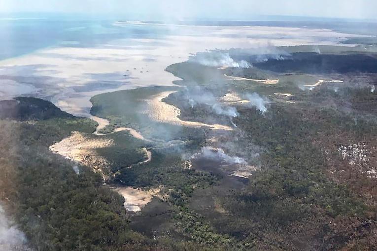 Australie: incendies maitrisés sur l'Île classée de Fraser