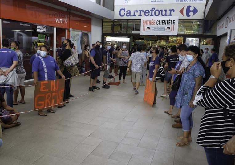 La mobilisation ne faiblit pas au deuxième jour de grève chez Carrefour