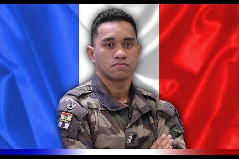 Emmanuel Macron salue la mémoire des trois militaires français tués au Mali