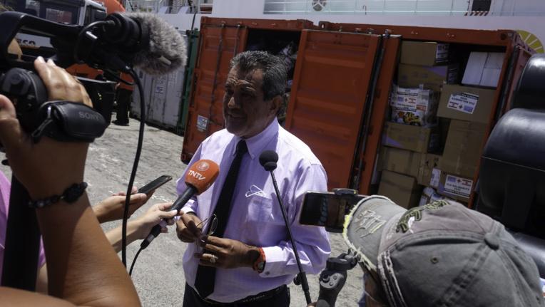 """Edouard Fritch salue le """"miracle de Noël"""" de la solidarité pour Fidji"""